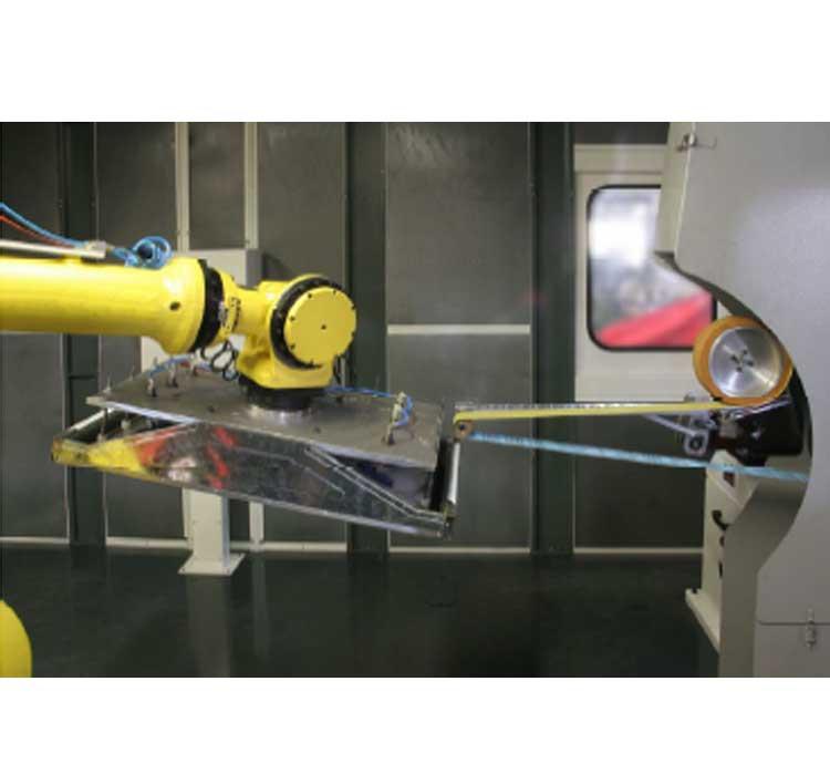 Cinta de esmerilado con robot